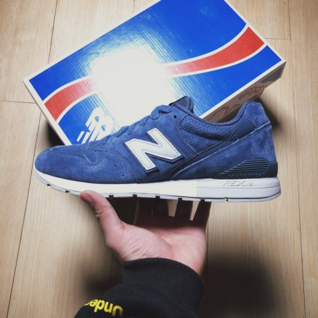236505 New Balance 996 Extreme Vintage Smooth Shoe Design With Delicate Leather Upper